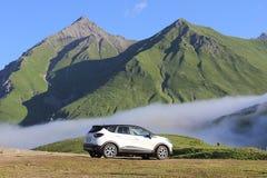 Renault Kaptur White royaltyfri fotografi