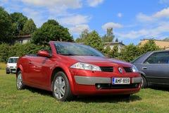 Renault Megane Cabriolet Car rojo en el verano fotos de archivo