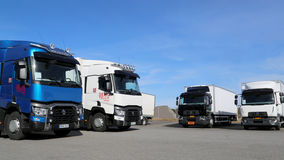 Renault Range novo T e caminhões de D na exposição Fotos de Stock