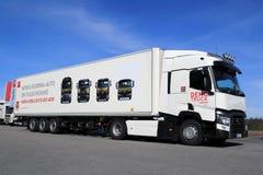 Renault Range T lastbil för länge - transportsträcka Royaltyfri Fotografi
