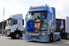 Renault Trucks T Avatar på maktlastbilshow royaltyfria foton