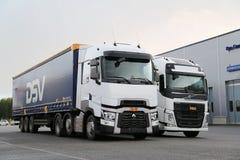 Renault Trucks T och Volvo FH som är halv på Demo Drive Event Arkivfoto