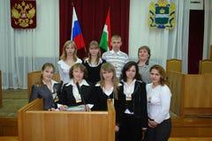 Rencontrant des étudiants le gouverneur de la région de Kaluga en Russie images libres de droits