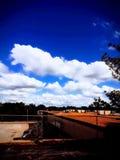 Rencontre de nuage photos libres de droits