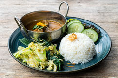 Rendang-Rindfleischplatte in Indonesien Stockbild