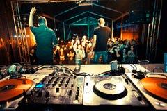 Rendement sous tension à un festival de musique Images stock