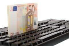 Rendendo soldi in linea Fotografia Stock Libera da Diritti