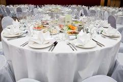 Rendez-vous de Tableau pour le dîner dans le restaurant photographie stock