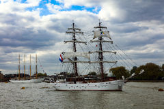 Rendez-Vous högväxt Themsen 2017 för den skeppregattaGreenwich floden Royaltyfri Bild