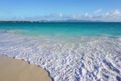 Rendez-vous Podpalaną plażę w Anguilla obraz royalty free