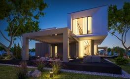 rendição 3d da casa moderna no jardim na noite Imagem de Stock Royalty Free