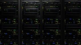 rendição 3D de um centro de dados moderno escuro da sala do servidor no centro do armazenamento Imagem de Stock