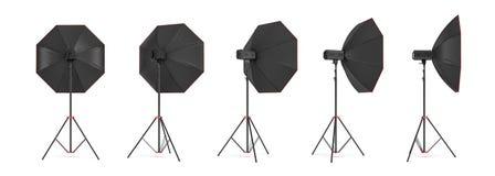rendição 3d de um grupo da iluminação do octobox em um suporte em ângulos diferentes Imagens de Stock Royalty Free