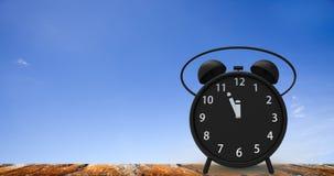 rendição 3d do despertador com minutos pequenos ao cloc do ` de doze o Fotografia de Stock Royalty Free