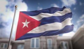 Rendição da bandeira 3D de Cuba no fundo da construção do céu azul Imagens de Stock Royalty Free