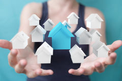 Rendu du concept 3D de maison d'eco de femme d'affaires Images stock