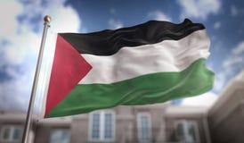Rendu du drapeau 3D de la Palestine sur le fond de bâtiment de ciel bleu Photographie stock libre de droits