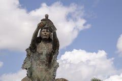 Renesans: symbol siła w Chetumal zabytek tworzył jako uznanie Chetumaleños, po huraganu zdjęcia stock