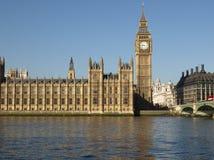 renferme le parlement de Londres photos stock