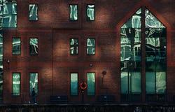 Renfermez dans la région de quartiers des docks de Londres Photo libre de droits