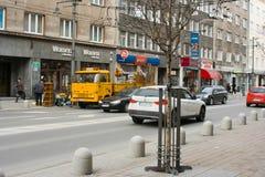 Rengörande onödiga objekt i Gdynia. Fotografering för Bildbyråer
