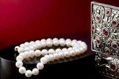 rengöringsduk för pärla för daggmorgonhalsband Royaltyfri Fotografi