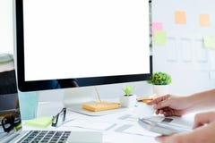 Rengöringsdukformgivare, UX UI märkes- arbete som planlägger skärmen Fotografering för Bildbyråer