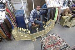 Rengöringsmedel av skor i Istanbul Royaltyfri Bild