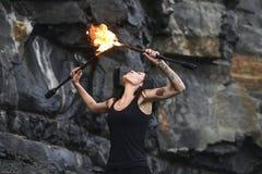 Reniflard grande Plume Of Flame du feu d'exposition du feu Photographie stock