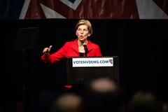 Reno, nanovolt - 23 de junho de 2018 - Elizabeth Warren Addressing Crowd At foto de stock royalty free