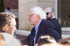 RENO, Nanovolt - 25. Oktober 2018 - Bernie Sanders-Sitzung mit teilnehmen stockfoto