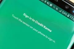 RENO, nanovoltio - 16 de enero de 2019: Acredite a Karma Android App en la pantalla de la galaxia La karma del crédito se utiliza fotografía de archivo libre de regalías