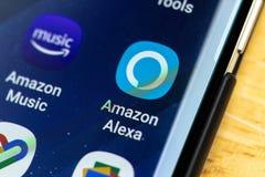 RENO, NV - Styczeń 16, 2019: Amazonki Alexa Android App na galaktyka ekranie Amazonka Alexa jest Wirtualnym asystentem AI fotografia royalty free