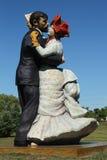 Renoir ha ispirato la scultura delle coppie di dancing dall'artista Steward Johnson a Hamilton, NJ Fotografia Stock Libera da Diritti