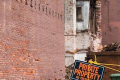 Renovação velha da construção de tijolo Fotos de Stock