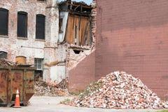 Renovação velha da construção de tijolo Fotos de Stock Royalty Free