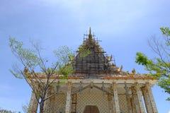 Renovera på Wat Pa Lelai Worawihan (templet för PA Lelai Worawihan) - Suphanburi Arkivfoto