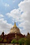 Renovera pagoden i Bagan Archaeological Zone Arkivbilder