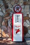 Renoverad historisk bensinpump Fotografering för Bildbyråer