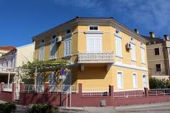 Renoverad medelhavs- villa Arkivfoto