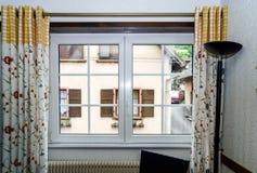 Renoverade pvc-fönster Fotografering för Bildbyråer