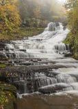 Rensselaervilledalingen Autumn Cascade royalty-vrije stock afbeelding