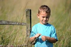 Renversement de petit garçon image libre de droits