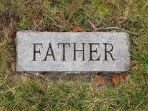 Repère de tombe de père photo stock