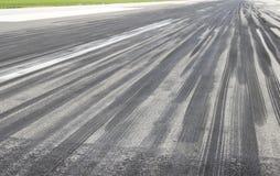Repères de dérapage de pneu Image stock