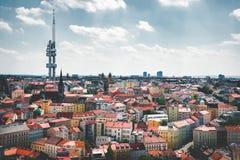 República Checa, Praga - 6 de julio de 2017 Torre de la TV y panorama del capital fotos de archivo libres de regalías