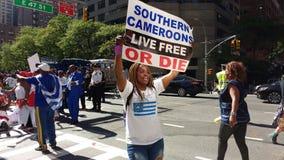 República dos Camarões, protestadores do sul de Cameroons/Ambazonia, NYC, NY, EUA fotografia de stock royalty free