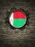 República velha da bandeira de Madagáscar na parede de tijolo Imagem de Stock Royalty Free