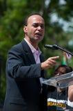 Rep. Luis Gutierrez spreekt bij het Protest van de Immigratie   royalty-vrije stock afbeeldingen
