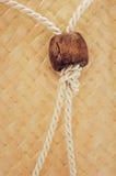 Rep på vävd wood bakgrund Arkivfoto